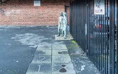 Beds 1993 Bronze By Sculptor Fred Conlon [PORTLAND ROW]-111210 (infomatique) Tags: ireland sculpture art public bronze beds hopscotch williammurphy fredconlon streetsofdublin infomatique portlandrow zozimuz beds1993