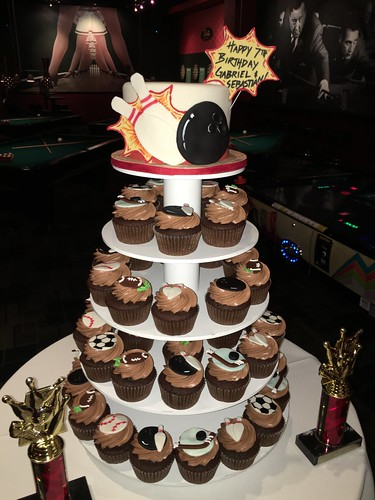 Bowling cake and Sports cupcake tower