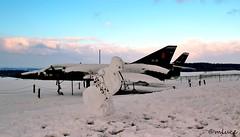 Z'avez pas vu le pilote ?? Do you have seen the pilot ? (Milucide !) Tags: belgique hiver neige avion insolite arme bonhommedeneige provincedelige ardennesbelges