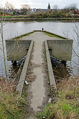 This way up. (Barrytaxi) Tags: warrington photoblog photoaday 365 manchestershipcanal latchford