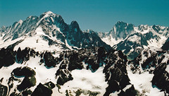 La rcompense au sommet du Buet (Yvan LEMEUR) Tags: mountain france nature alpes landscape glacier paysage chamonix montblanc argentique alpinisme randonne hautesavoie grandiose buet aiguilleverte immensit grandesjorasses lesdrus massifdumontblanc hautemontagne laverte