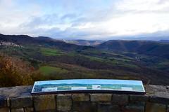 Aire de Montjaux, Aveyron (VP-12) Tags: aire aveyron viaducdemillau tabledorientation montjaux airedemontjaux vuesurleviaducdemillau