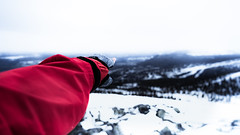Choose your destination (Diaz Paredes Photography) Tags: winter nature zeiss point landscape day hand arm sweden sony exploring explore human destination daytime exploration winterlandscape landskap winterday discovering winternature sonylens modernature destinacion
