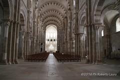 Basilique de Vzelay (Roberto Lauro) Tags: travel church canon chiesa francia viaggi basilique vzelay