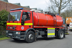 V626 DHR (Emergency_Vehicles) Tags: rescue water station fire dorset wiltshire 32 carrier tankers wilton v626dhr