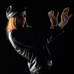 IRUÑA-Sesion-Zaloa-39-(square) (ikimilikili-klik) Tags: girl square model chica modelo euskalherria basquecountry pamplona navarre navarra iruña pampelune nafarroa neska 50mmf14d zaloa nikkor50mm d700 nikond700