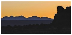 Canyonlands NP at sunrise (Starkrusher) Tags: sunrise dawn golden utah desert canyonlandsnationalpark