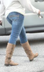 2016-01-03 (1) boots in Laurel (JLeeFleenor) Tags: photos photography md girls woman femme frau vrouw donna lamujer dona امرأة жена 女子 žena kvinde nainen γυναίκα האישה nő औरत wanita 女性 여자 kvinne زن kobieta mulher женщина kvinna หญิง kadın жінка ngườiphụnữ boots shoes footwear footgear outside outdoors tightjeans jeans maryland