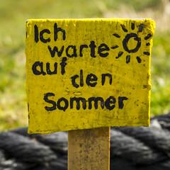 Ich warte auf den Sommer - SPO - 4557 (stefanfricke) Tags: yellow sommer sony sonne sanktpeterording a6000 ilce6000