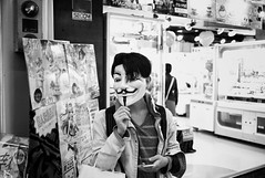 V (Jiajun Yang) Tags: street leica people bw zeiss blackwhite 28mm streetphotography m82 monochrone