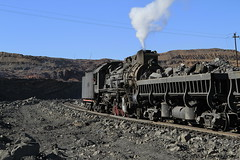 I_B_IMG_6289 (florian_grupp) Tags: china railroad train landscape asia mine desert muslim railway steam xinjiang mikado locomotive coal js steamlocomotive 282 opencastmine sandaoling