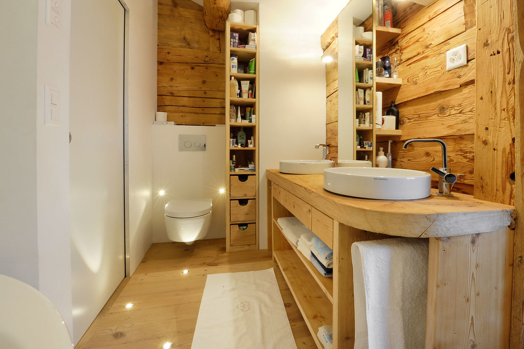 The world 39 s best photos of altholz flickr hive mind - Badezimmer sideboard ...