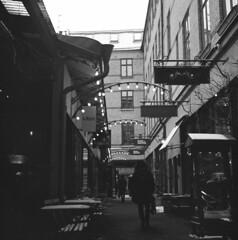Victoriapassagen (rotabaga) Tags: street blackandwhite bw göteborg lomo sweden gothenburg sverige tmax400 lubitel166 svartvitt r09 victoriapassagen bwfp