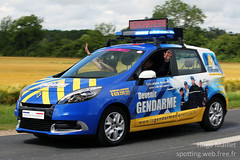 Gendarmerie | Renault Scnic (spottingweb) Tags: france advertising marketing pub ad scenic police voiture parade renault communication tourdefrance secours publicit advertisment urgence intervention gendarme dfil gendarmerie recrutement federalsignal forcedelordre lagrandeboucle gyrophare caravanepublicitaire trafficstorm advertisingparade