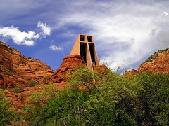 The Chapel at Red Rocks (Vinny Gragg) Tags: arizona cloud church nature statue architecture clouds cross sedona statues chapel architect redrocks redrock sedonaarizona chapelatredrocks roadsideattraction roadsideattractions roadsidestatue roadsidegiants roadsidestatues roadsideoddities roadsideart template thechapelatredrocks
