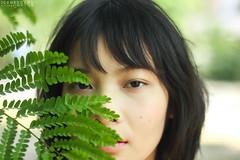 IMG_7871 (Iceneedyou (Sirinya Amarin)) Tags: light portrait white blur green nature girl canon fix natural short shorthair 50 550d
