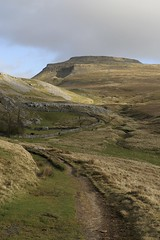 Ingleton (LYNNE Mc) Tags: clouds walking landscape walks skies yorkshire january caves fells fields paths february hikes daysout yorkshiredales pathways ingleton ingleborough 2016 canon5dmk3 lynnemc