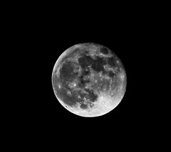 Moon (BrianReid) Tags: moon canon eos scotland is 300mm aberdeen 7d l usm ef f4 190 manfrotto rc4 488 xprob