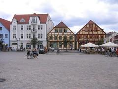 small town market square (BZK2011) Tags: digital canon ixus ii mritz waren