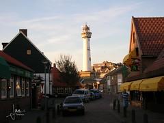 Egmond aan Zee - Vuurtoren J.C.J. van Speijk (glanerbrug.info) Tags: 2005 lighthouse holland netherlands nederland paysbas phare centrum vuurtoren leuchtturm noordholland niederlande egmondaanzee