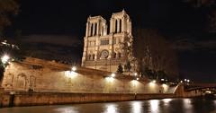 Cathdrale Notre-Dame Paris (letang.gilles) Tags: longexposure paris france seine de capitale ville bord patrimoine balade parisienne parisien longuepose edificereligieux canon100d