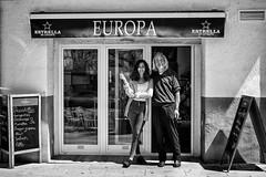 Estrellas de Europa (Miramiquel retratista) Tags: bar de europa estrellas barra birra tabernculos retratista parroquianos miramiquel taberncolas