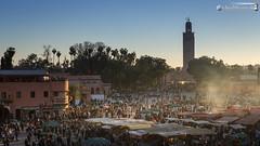 View across the Djemaa el Fna (dieLeuchtturms) Tags: sunset sonnenuntergang morocco maroc medina afrika marrakesh marokko jemaaelfna 16x9 marrakesch djemaaelfna djemaaelfnaa platzdergehngten marrakeshtensiftelhaouz