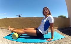 Uso del Foam Roller (RunMX.com) Tags: video running espalda fitness recovery espuma piernas rodillo ejercicios lesiones foamroller runtastic