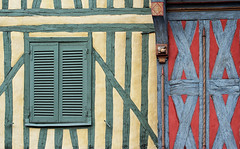 Colombages (Auxerre) (jjcordier) Tags: faade colombage auxerre volet yonne
