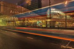 Arnhem centraal station. (www.petje-fotografie.nl) Tags: arnhem wtc trolleybus gelderland lle langesluitertijd blauweuurtje centraalstationarnhem