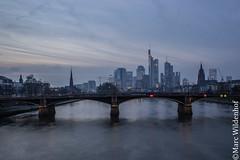 Frankfurt am Main - Skyline (Marc Wildenhof) Tags: skyline de deutschland hessen frankfurt nightscene frankfurtammain lichter nachtaufnahme canoneos7dmarkii