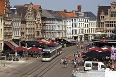 Wagen 6321 auf dem Korenmarkt (Frederik Buchleitner) Tags: belgique belgi siemens tram streetcar tramway ghent gent gand belgien delijn flandern linie1 dwa korenmarkt hermelijn 6321 trambahn strasenbahn ngt6 niederflurwagen