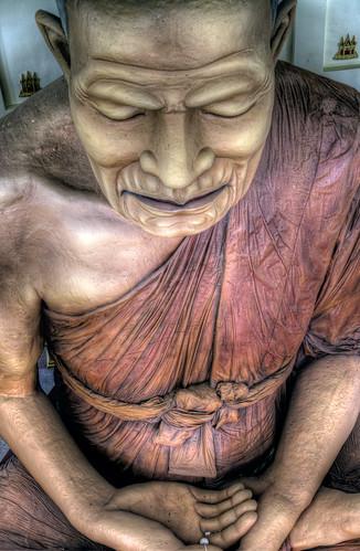 Giants statue at Wat Huai Saitai