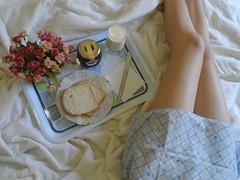 30/366 Sweet morning (JessicaBelotto) Tags: morning flores caf breakfast foto sweet room days dos honey da dreams pernas quarto fotografia cama projeto po sono manh sonhos fotogrfico leite edredon cobertor fotografando camisola 366 gelia 366daysofhoney 366diasnoano