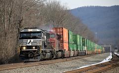 NS 6954 & CP 8621 (Conrail1978) Tags: railroad west train pacific cove ns norfolk engine loco canadian southern pa cp ge unit emd duncannon 8621 ac44cw 6954 sd60e
