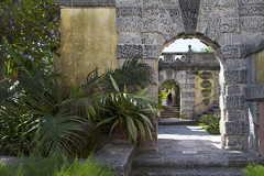 Vizcaya Gardens Arched Passages (Don Thoreby) Tags: gardens stairs arch florida miami steps passages walkways walls mansion fountains archways coconutgrove biscaynebay miamiflorida villavizcaya gardensteps renaissancearchitecture vizcayamuseumandgardens gardenpathways villavizcaya1914 jamesdeeringmansion