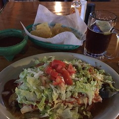 #burritodeluxe #modelo #beer #happyvalentinesday (mikeyes2) Tags: beer 14 modelo february 2016 0628pm happyvalentinesday burritodeluxe