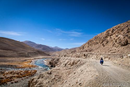 Podążając wzdłuż rzeki Pamir