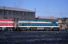 DF5-1109  Harbin  17.03.94 (w. + h. brutzer) Tags: china analog train nikon eisenbahn railway zug trains locomotive harbin lokomotive diesellok eisenbahnen df5 dieselloks webru