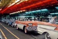 Assembly line with 1958 Chevrolets in 1957.[1500x1006] #HistoryPorn #history #retro http://ift.tt/1SypBhB (Histolines) Tags: history with retro line 1958 timeline assembly chevrolets vinatage historyporn histolines 19571500x1006 httpifttt1sypbhb