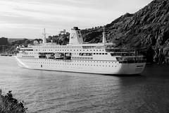 DEUTSCHLAND (wespfoto) Tags: cruise white stjohns passenger narrows liner deutshland wespfoto