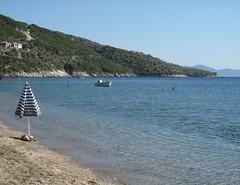 Lefokastro. (sangiopanza2000) Tags: holiday beach se mare greece grecia spiaggia vacanza sunumbrella ombrellone tessaglia pelio sangiopanza lefokastro magnissia