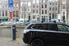 Charge your electric car here (Davydutchy) Tags: auto holland netherlands car amsterdam electric canal capital hauptstadt nederland plugin hybrid paysbas charge mitsubishi niederlande gracht recharge outlander hoofdstad electrische