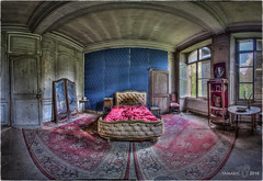 The Superior Room is beautiful, bright and very comfortable with a queen size bed.   -   La chambre Suprieure est splendide, lumineuse et confortable, et dispose d'un grand lit !!... (Yamabxl) Tags: panorama france abandoned bed bedroom decay room ghost creepy forbidden hidden forgotten urbanexploration lit derelict hdr highdynamicrange verlassen urbex verfall abbandonato queensize verlaten lostplaces prohib prohibed urbexhdr chteauscession