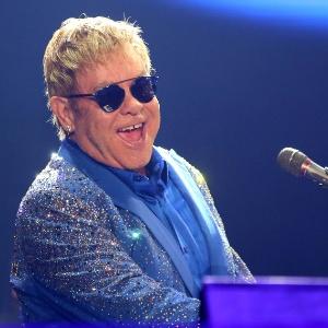 Elton John é acusado por ex-segurança de assédio sexual, diz site