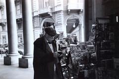 Torino, Marzo 2016 (Marcello Iaconetti Photography) Tags: street italy man film 35mm torino strada italia scan uomo hp5 mustache portici turin ritratto negativo ilford disposable edicola pellicola anziano baffi viacernaia usaegetta resistenzaanalogica