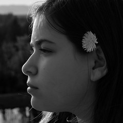 Spring flower (Eduardo Jubis) Tags: seattle girl washington naturallight pacificnorthwest issaquah rimlight blackandwhiteportrait fujix lowkeyportrait fujixt1