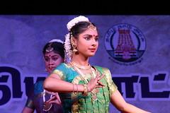 Beaut incarne (Chemose) Tags: show india girl beauty festival canon eos coast dancing performance january dancer danse cte beaut 7d janvier tamilnadu coromandel inde southindia mahabalipuram mamallapuram spectacle pallava danseuse indedusud