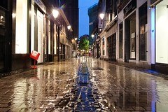 Rue Saint-Paul (Lige 2016) (LiveFromLiege) Tags: city rain architecture night belgium belgique lumire bynight reflet rainy citylights nightview saintpaul rue liege nocturne luik lige wallonie lieja lttich ruesaintpaul liegi