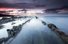 (ManuMatas) Tags: color mar puestadesol seda nube deba zumaia flish